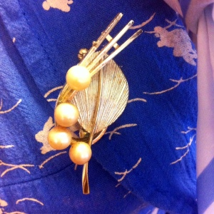 pearl-spray-brooch