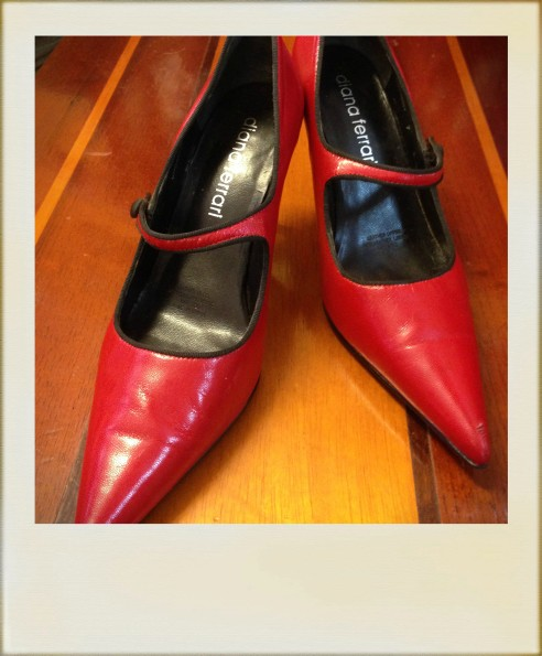 framed-red-shoes